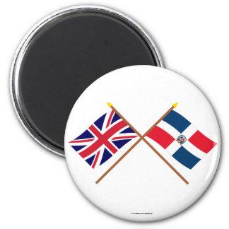 Banderas cruzadas de la República BRITÁNICA y Domi Iman De Frigorífico