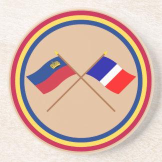 Banderas cruzadas de Liechtenstein y de Schaan Posavaso Para Bebida