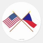 Banderas cruzadas de los E.E.U.U. y de la Repúblic Etiquetas