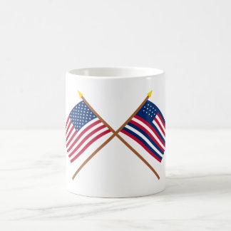 Banderas cruzadas de los E.E.U.U. y de Serapis Taza De Café