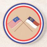 Banderas cruzadas de Malasia y de Malaca Melaka Posavaso Para Bebida