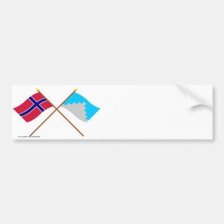 Banderas cruzadas de Noruega y de Akershus Pegatina De Parachoque