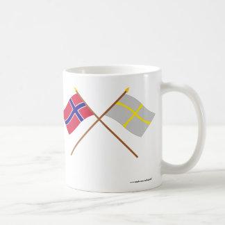 Banderas cruzadas de Noruega y de Nord-Trøndelag Taza Clásica