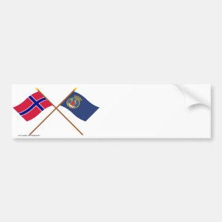 Banderas cruzadas de Noruega y de Oslo Pegatina De Parachoque