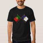 Banderas cruzadas de Portugal y de las Azores Playeras