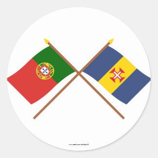 Banderas cruzadas de Portugal y de Madeira Pegatina