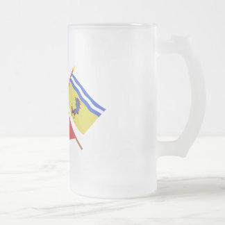 Banderas cruzadas de Rhône Alpes y de Isère Tazas De Café