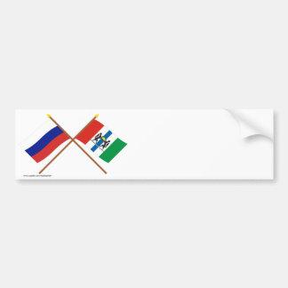 Banderas cruzadas de Rusia y de Novosibirsk Oblast Pegatina Para Auto
