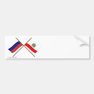 Banderas cruzadas de Rusia y de Saratov Oblast Pegatina Para Auto
