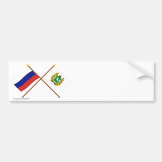 Banderas cruzadas de Rusia y de Tomsk Oblast Pegatina Para Auto