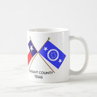 Banderas cruzadas de Tejas y del condado de Tarran Taza De Café