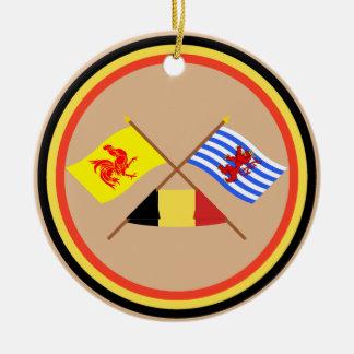 Banderas cruzadas de valón y de Luxemburgo con Adorno Navideño Redondo De Cerámica