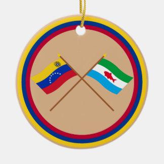 Banderas cruzadas de Venezuela y de Dependencias Adorno Redondo De Cerámica