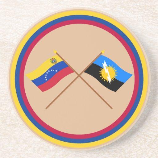 Banderas cruzadas de Venezuela y de Zulia Posavasos Personalizados