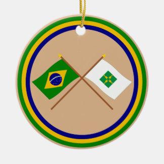 Banderas cruzadas del Brasil y de Distrito federal Adorno