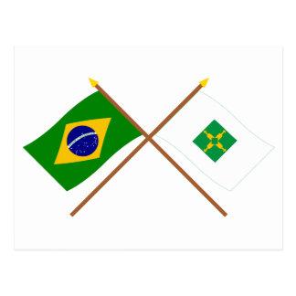 Banderas cruzadas del Brasil y de Distrito federal Postales