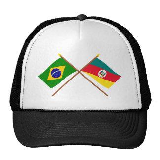 Banderas cruzadas del Brasil y de Río Grande del S Gorras