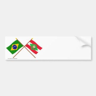 Banderas cruzadas del Brasil y de Santa Catarina Pegatina De Parachoque