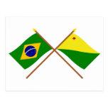 Banderas cruzadas del Brasil y del acre Postal
