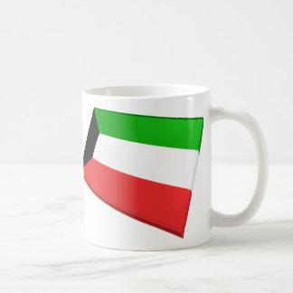 Banderas de los E E U U y de Kuwait Taza De Café