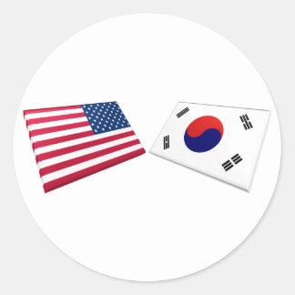 Banderas de los E.E.U.U. y de la Corea del Sur Pegatina Redonda