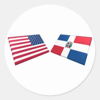Banderas de los E.E.U.U. y de la República Pegatina Redonda