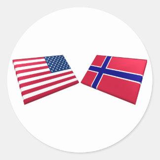 Banderas de los E.E.U.U. y de Noruega Pegatina Redonda