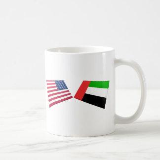 Banderas de los E.E.U.U. y de United Arab Emirates Taza