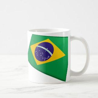 Banderas de los E.E.U.U. y del Brasil Taza Básica Blanca