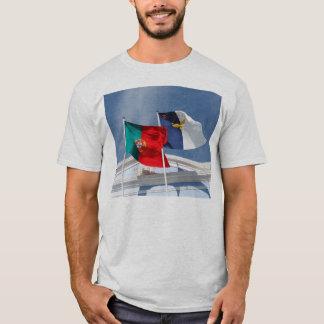 Banderas de Portugal y de Azores Playera