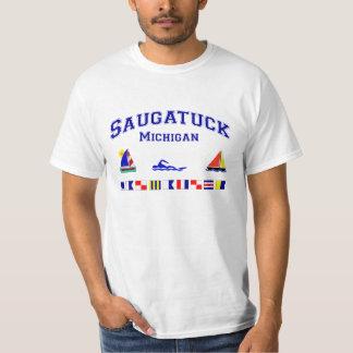 Banderas de señal de Saugatuck MI Playera