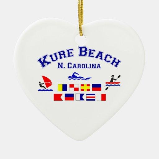 Banderas de señal del NC de la playa de Kure Adorno Navideño De Cerámica En Forma De Corazón