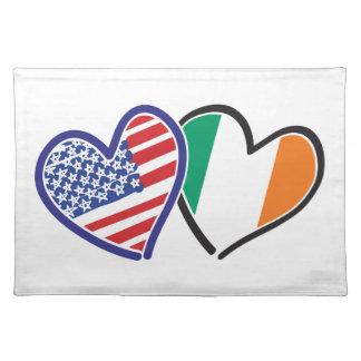 Banderas del corazón de los E.E.U.U. Irlanda Mantel Individual