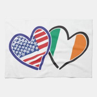 Banderas del corazón de los E.E.U.U. Irlanda Toalla