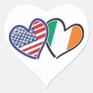 Banderas del corazón de los E.E.U.U. Irlanda Pegatina En Forma De Corazón