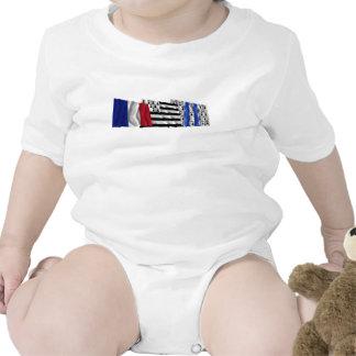 Banderas del Ille-et-Vilaine, de Bretaña y de Traje De Bebé