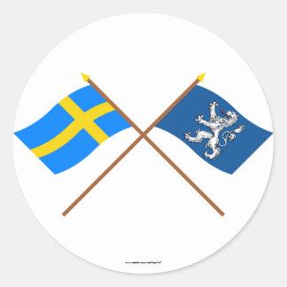 Banderas del län cruzado de Suecia y de Hallands Pegatina Redonda