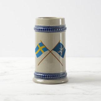 Banderas del län cruzado de Suecia y de Hallands Jarra De Cerveza