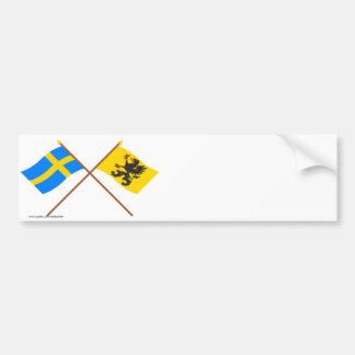 Banderas del län cruzado de Suecia y de Södermanla Pegatina De Parachoque