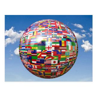 Banderas del mundo en un globo tarjetas postales