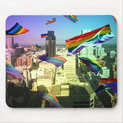 Banderas del orgullo de GLBT sobre el cojín de rat Tapetes De Ratones