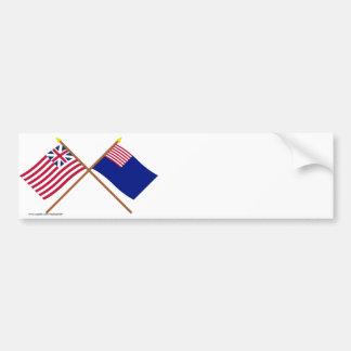 Banderas magníficas cruzadas de la unión y de la m pegatina de parachoque