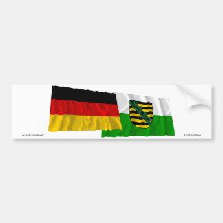 Banderas que agitan de Alemania y de Sajonia Pegatina Para Auto