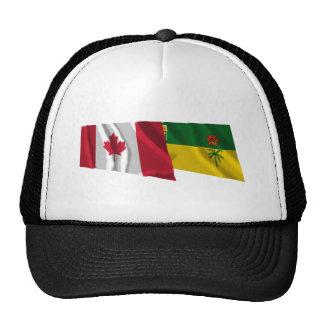 Banderas que agitan de Canadá y de Saskatchewan Gorra