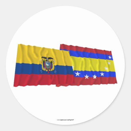 Banderas que agitan de Ecuador y de Loja Pegatina Redonda