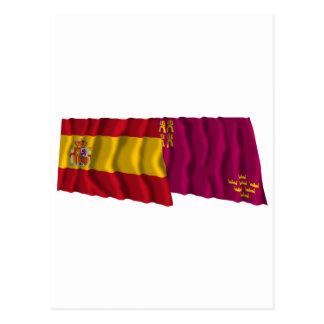 Banderas que agitan de España y de Murcia Postal