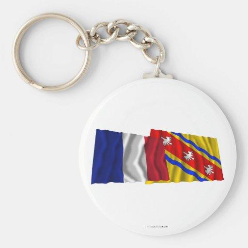 Banderas que agitan de Francia y de Meurthe-et-Mos Llavero Redondo Tipo Pin