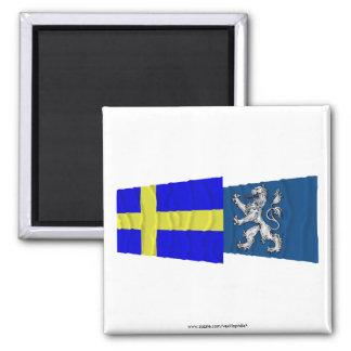 Banderas que agitan del län de Suecia y de Halland Imán Cuadrado