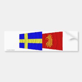 Banderas que agitan del län de Suecia y de Skåne Etiqueta De Parachoque