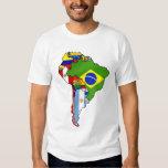 Banderas suramericanas del mapa de la bandera de camisas